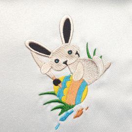 Serweta haftowana - Zajączek z pisanką 37x37 cm