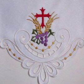 Obrus ołtarzowy haftowany - wzór eucharystyczny (91)