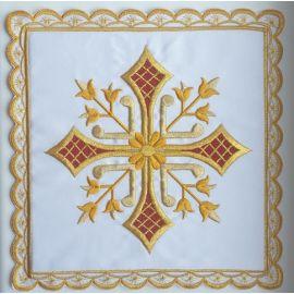 Palka biała haftowana krzyż (1)