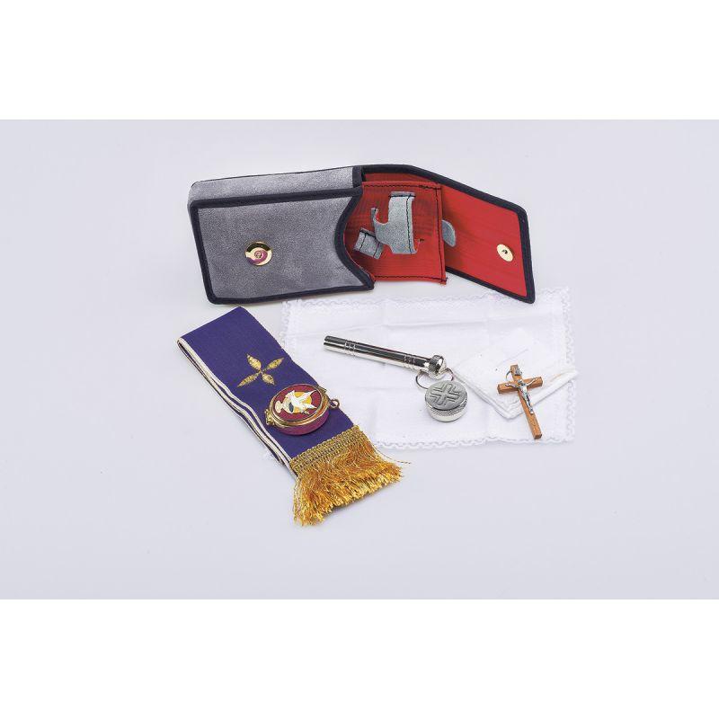 Bursa z wyposażeniem liturgicznym (15)
