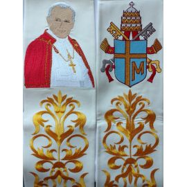 Bogato haftowana stuła Jan Paweł II